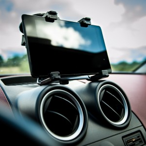 Windscreen In Car Suction Mount Holder with 360 Degrees Rotation for Tablets